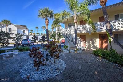 Condo/Townhouse For Sale: 102 S Peninsula Drive #100