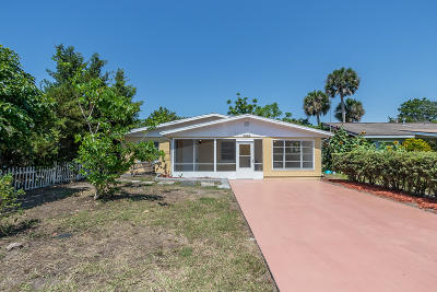Volusia County Single Family Home For Sale: 2536 Anastasia Drive