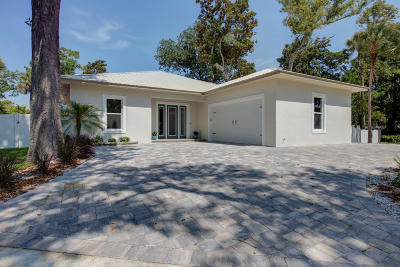 Edgewater Single Family Home For Sale: 1512 S Riverside Drive