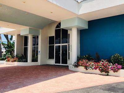 Daytona Beach Condo/Townhouse For Sale: 935 S Atlantic Avenue #132
