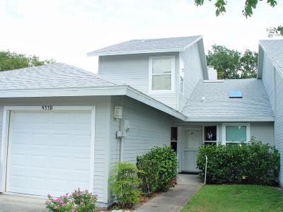Volusia County Attached For Sale: 933 Meadow View Drive #B