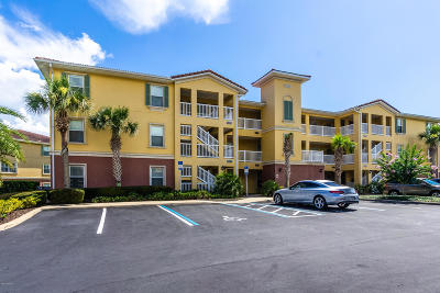 Palm Coast Condo/Townhouse For Sale: 1100 Canopy Walk Lane #1111