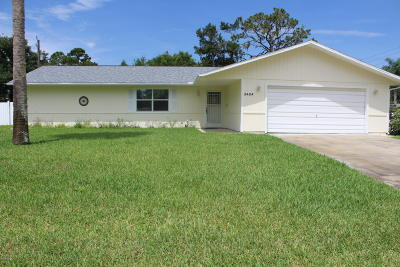 Edgewater Single Family Home For Sale: 2404 Pine Tree Drive