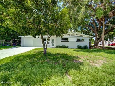 Holly Hill Single Family Home For Sale: 700 N Flamingo Drive