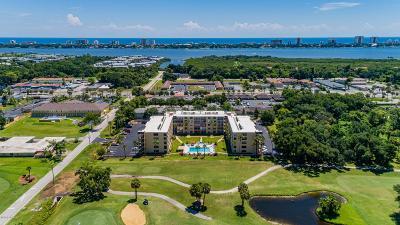 Daytona Beach Condo/Townhouse For Sale: 329 Wilder Boulevard #C104