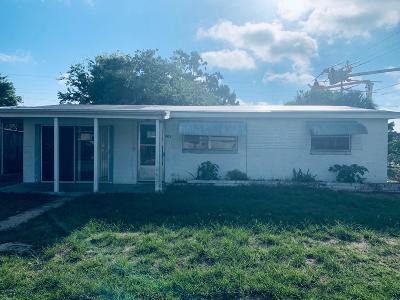 Daytona Beach Single Family Home For Sale: 901 Derbyshire Road