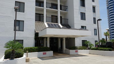 Daytona Beach Shores Condo/Townhouse For Sale: 2615 S Atlantic Avenue #1E