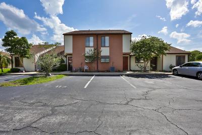 Daytona Beach Condo/Townhouse For Sale: 111 White Fawn Drive #111