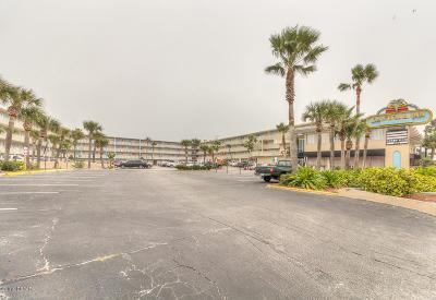 Daytona Beach Condo/Townhouse For Sale: 219 S Atlantic Avenue #238