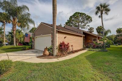 Pelican Bay Single Family Home For Sale: 140 N Gull Circle