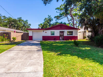 New Smyrna Beach Single Family Home For Sale: 204 Ocean Avenue