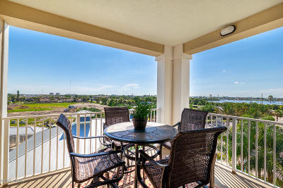 New Smyrna Beach Condo/Townhouse For Sale: 5 N Riverwalk Drive #407