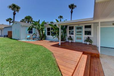 New Smyrna Beach Single Family Home For Sale: 211 Normandy Avenue