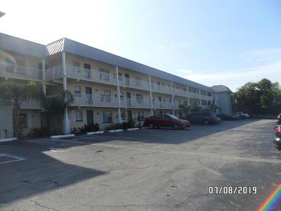 Daytona Beach Condo/Townhouse For Sale: 101 S Peninsula Drive #307