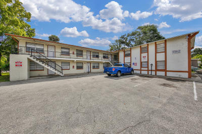 Volusia County Multi Family Home For Sale: 325 8th Street