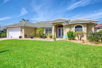 Ormond Beach Single Family Home For Sale: 130 Coquina Key Drive