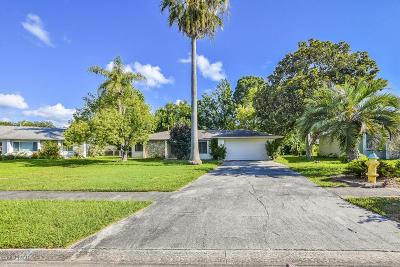 Daytona Beach Single Family Home For Sale: 207 Fairfax Drive