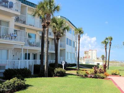 Daytona Beach Condo/Townhouse For Sale: 935 S Atlantic Avenue #139