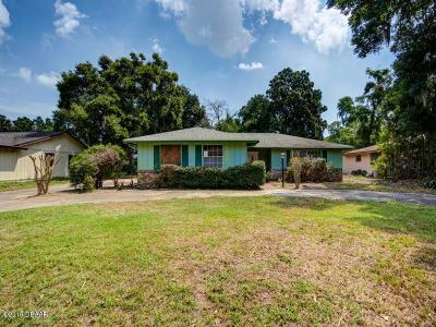 Volusia County Single Family Home For Sale: 825 Candlewood Circle