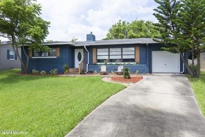 Daytona Beach Single Family Home For Sale: 1471 N Peninsula Drive
