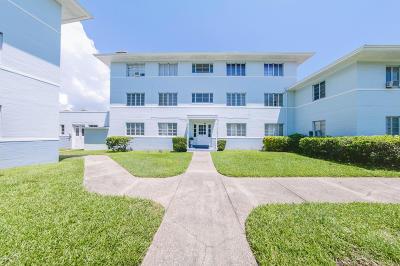 Daytona Beach Condo/Townhouse For Sale: 500 S Beach Street #F -4