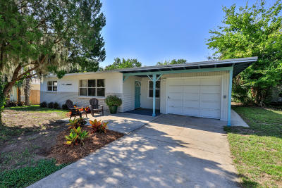 Ormond Beach Single Family Home For Sale: 76 Sylvania Place