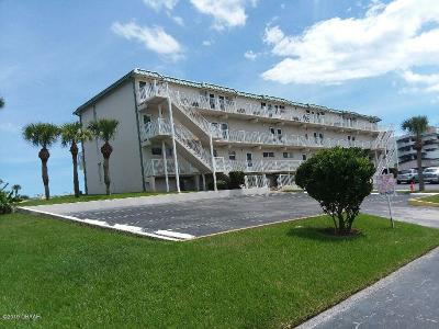Volusia County Condo/Townhouse For Sale: 4849 Saxon Drive #C209
