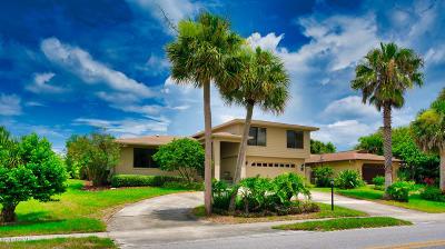 New Smyrna Beach Single Family Home For Sale: 1311 N Peninsula Avenue