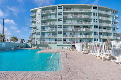 Daytona Beach Condo/Townhouse For Sale: 800 N Atlantic Avenue #304