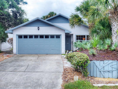 New Smyrna Beach Single Family Home For Sale: 415 Cedar Avenue