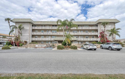 New Smyrna Beach Condo/Townhouse For Sale: 325 N Causeway #D204