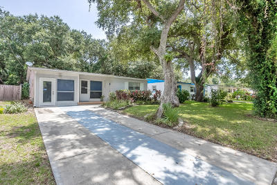 New Smyrna Beach Single Family Home For Sale: 3005 Saxon Drive