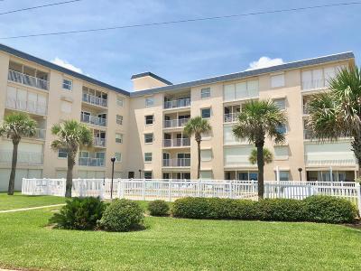 Ormond Beach Condo/Townhouse For Sale: 2294 Ocean Shore Boulevard #1040