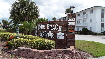Daytona Beach Condo/Townhouse For Sale: 3013 N Halifax Avenue #1