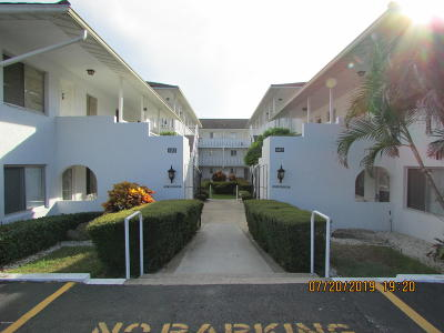 Daytona Beach Condo/Townhouse For Sale: 405 N Halifax Avenue #1020