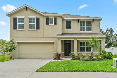 Edgewater Single Family Home For Sale: 147 Fishermans Cove Drive
