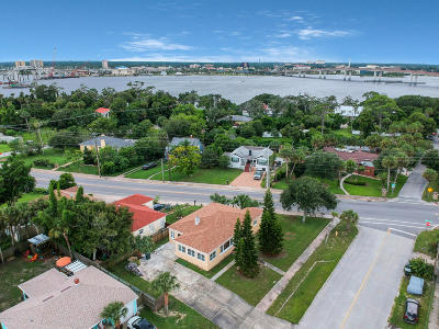 Daytona Beach Single Family Home For Sale: 300 Revilo Boulevard