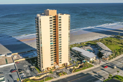Daytona Beach Shores Condo/Townhouse For Sale: 3051 S Atlantic Avenue #1206