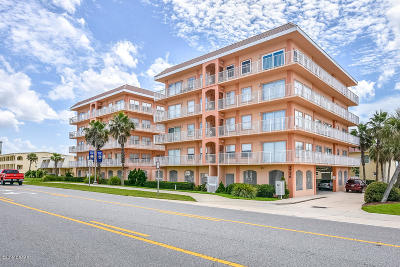 Daytona Beach Shores Condo/Townhouse For Sale: 3756 S Atlantic Avenue #303