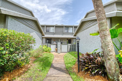 Volusia County Attached For Sale: 160 Limewood Place #4