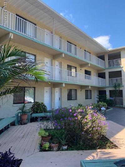 Daytona Beach Condo/Townhouse For Sale: 633 S Palmetto Avenue #2070