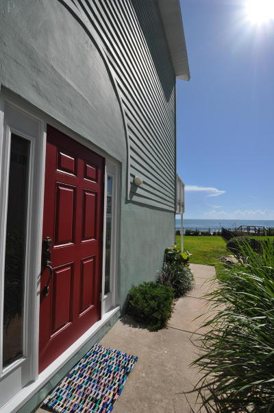 Flagler Beach Single Family Home For Sale: 2945 N Ocean Shore Boulevard