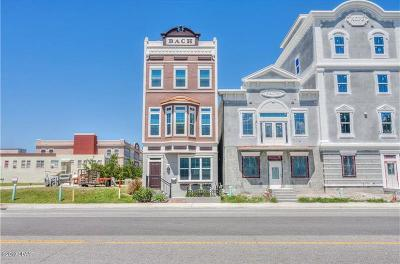 Rental For Rent: 213 S Palmetto Avenue