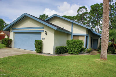 Volusia County Single Family Home For Sale: 118 Meadowbrook Circle
