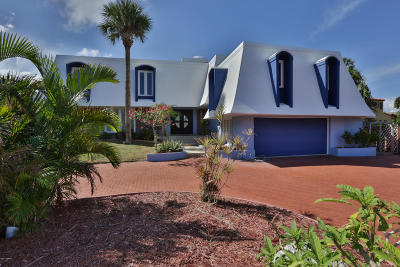 Daytona Beach Single Family Home For Sale: 1 Tropical Lane