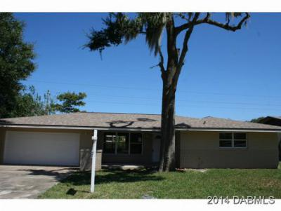 Single Family Home Sold: 106 Fiesta Dr
