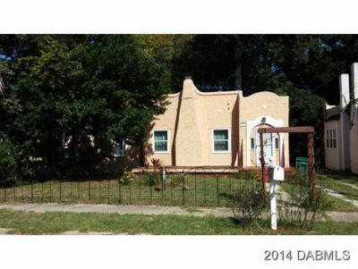 Single Family Home Sold: 941 Avondale Ave