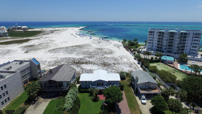 Holiday Isle Single Family Home For Sale: 324 Gulf Shore Drive