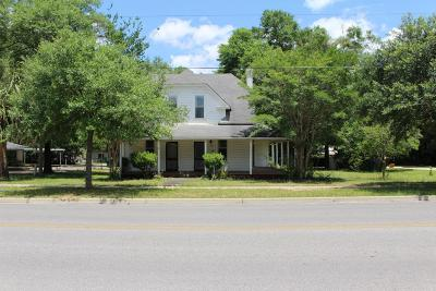 Defuniak Springs Single Family Home For Sale: 73 E Live Oak Avenue