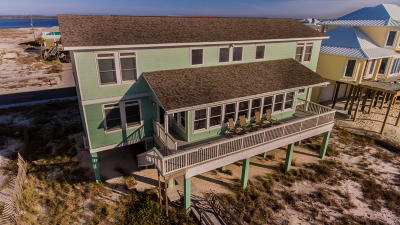 Navarre Single Family Home For Sale: 7439 Gulf Boulevard